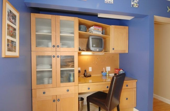 204-exeter-desk-area